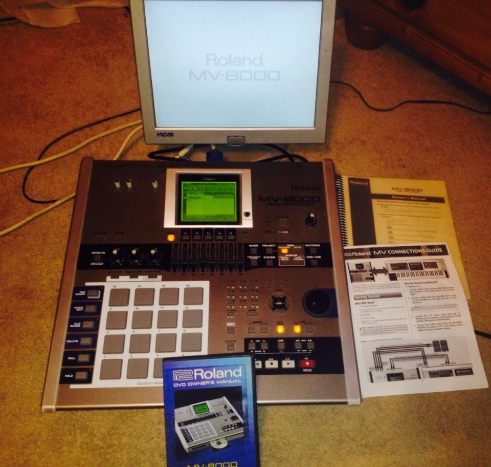Roland MV 8000 with Monitor and how to DVD and Books$_57