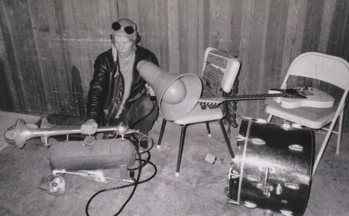 Tom Waits plays his truck air horn.